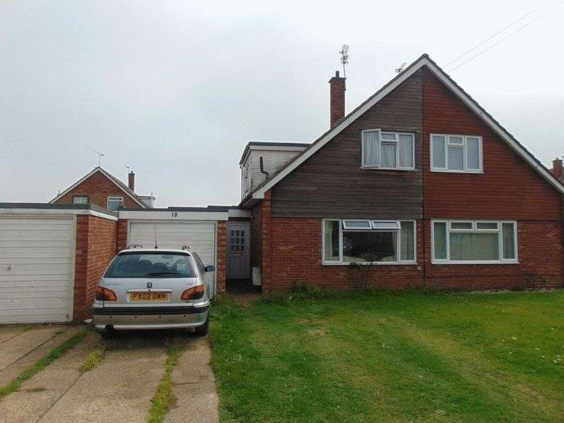3 Bedrooms Semi Detached House for sale in Thorpe Road, Clacton-On-Sea