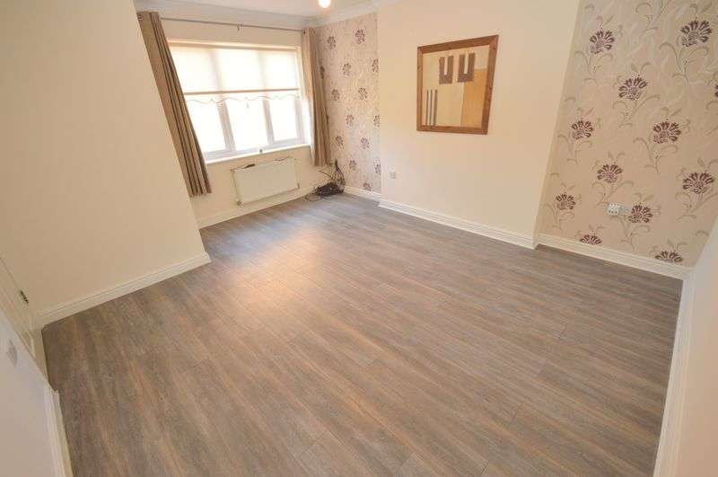 4 Bedrooms Detached House for sale in Edgewood Close, Widnes