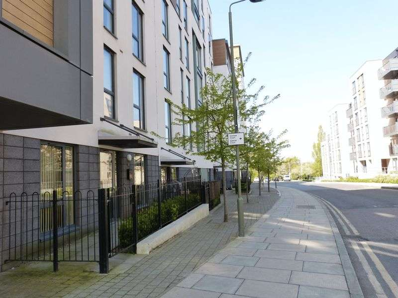 1 Bedroom Flat for sale in 1 Bedroom Apartment With Allocated Parking For Sale