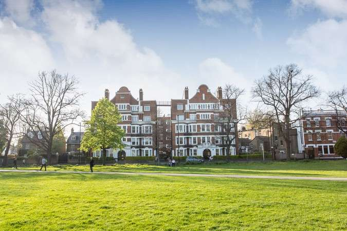 1 Bedroom Flat for sale in Arlington Park Mansions, Sutton Lane North, Chiswick