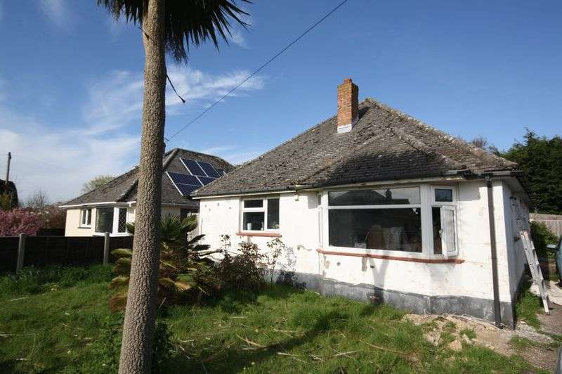 3 Bedrooms Detached Bungalow for sale in Christchurch