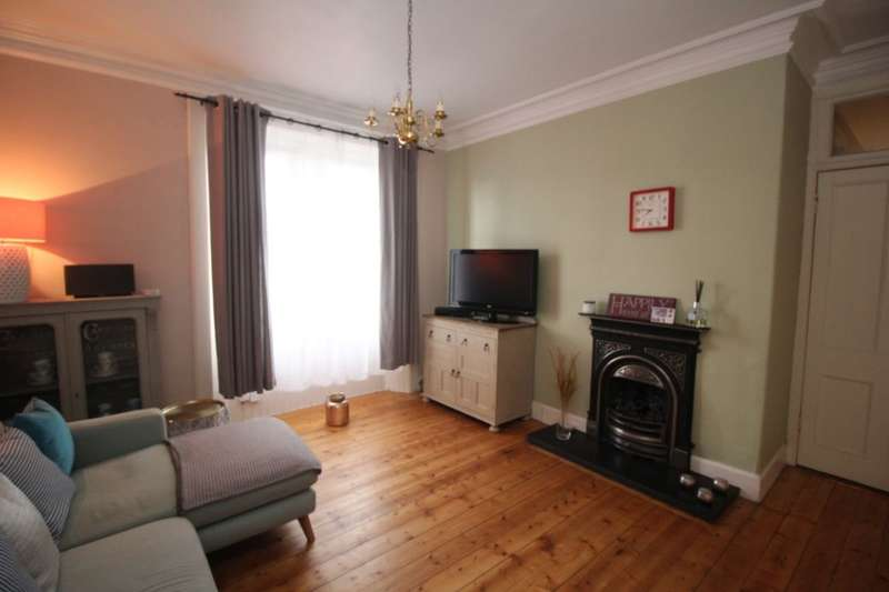 2 Bedrooms Flat for sale in West Main Street, Broxburn, EH52