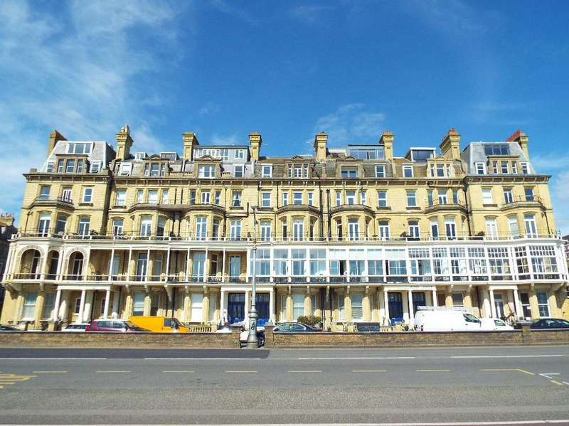 2 Bedrooms Flat for sale in Kings Gardens Hove East Sussex BN3