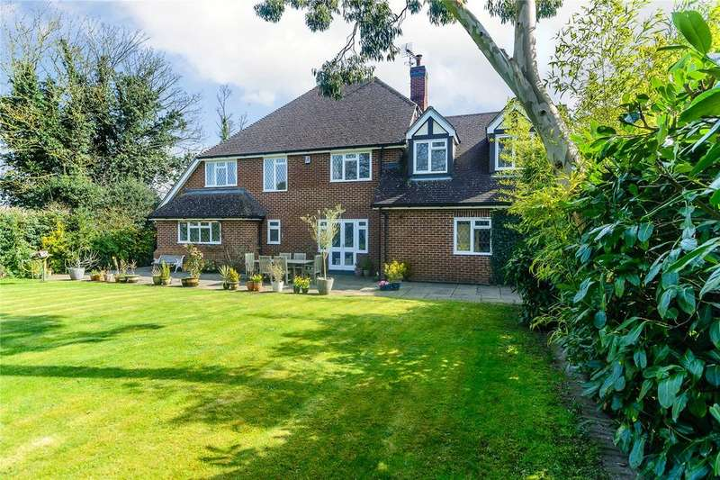 5 Bedrooms Detached House for sale in Handpost Lodge Gardens, Leverstock Green, Hertfordshire