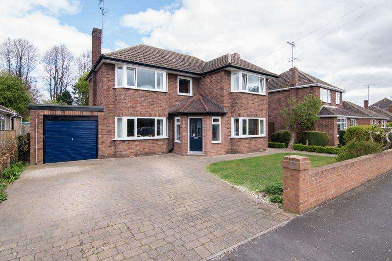 3 Bedrooms Detached House for sale in Balmoral Avenue, Spalding