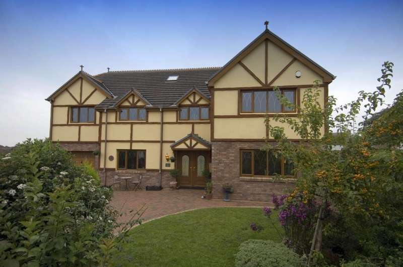 7 Bedrooms Detached House for sale in Park View Drive, Kidwelly