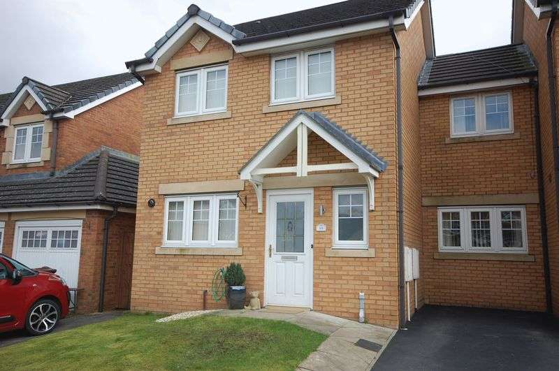 3 Bedrooms Semi Detached House for sale in Kestrel View, Glossop