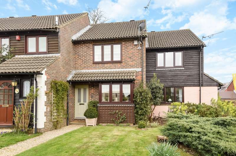 2 Bedrooms House for sale in Chichester Drive, Tangmere, PO20