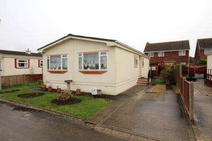 2 Bedrooms Mobile Home for sale in Naish Estate, New Milton, Hampshire