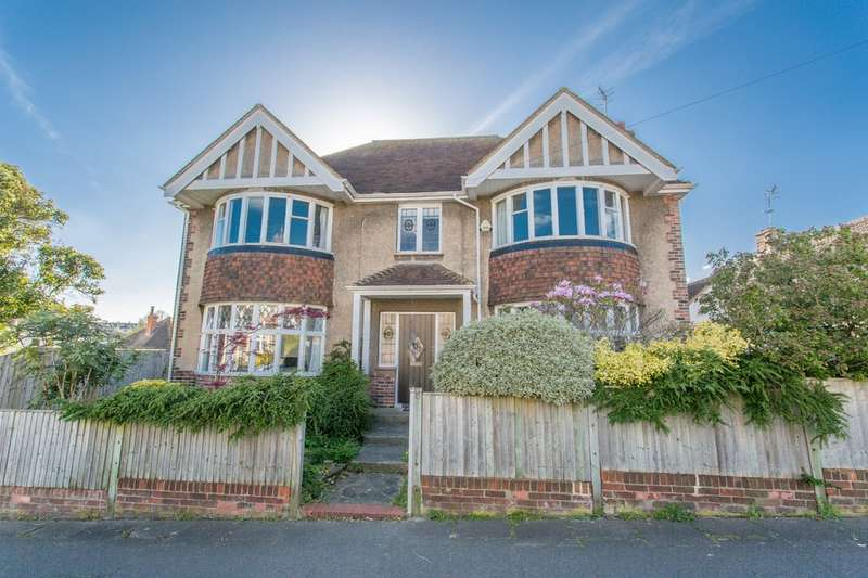 5 Bedrooms Detached House for sale in Bavant Road, Brighton