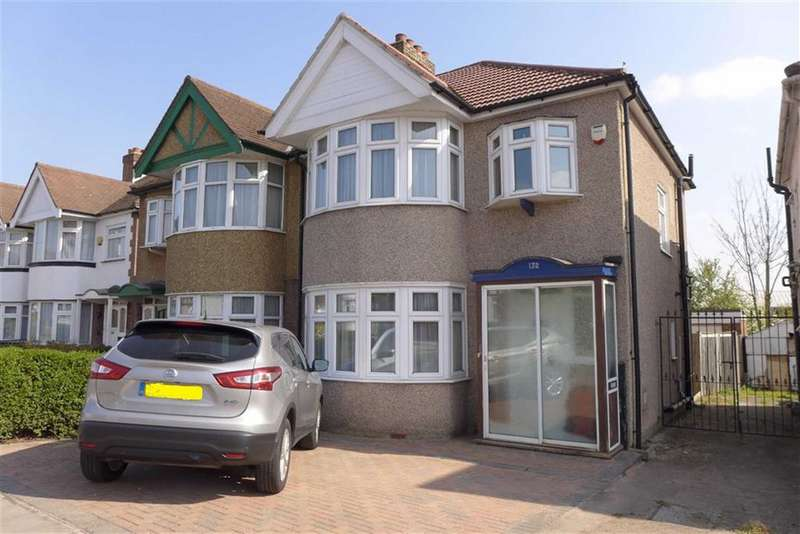 3 Bedrooms Property for sale in Locket Road, Harrow Weald, Middlesex