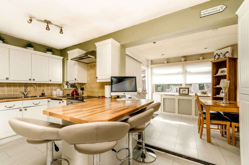 3 Bedrooms House for sale in Tramway Path, Mitcham, CR4