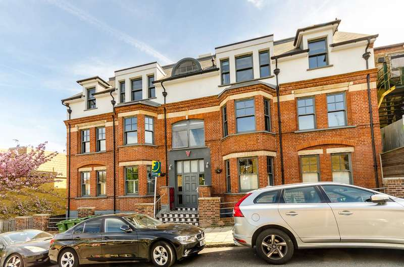 2 Bedrooms Flat for sale in Jasper Road, Crystal Palace, SE19