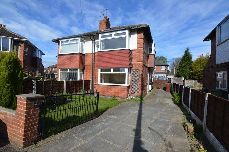 3 Bedrooms Semi Detached House for sale in Charles Avenue, Wakefield