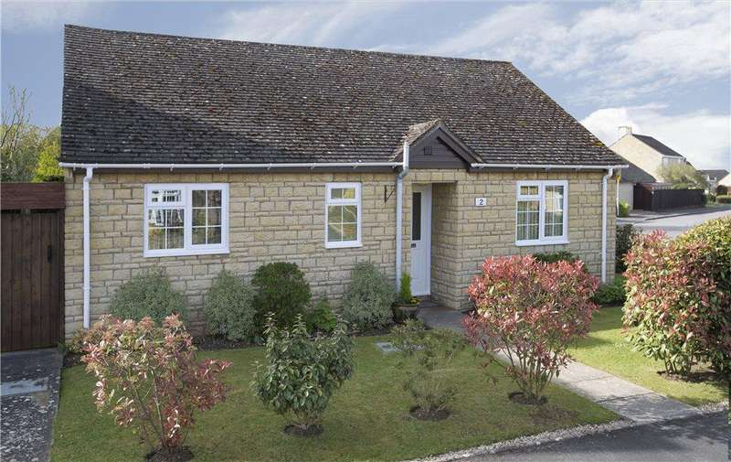 2 Bedrooms Detached Bungalow for sale in Mills Close, Broadway, Worcestershire, WR12