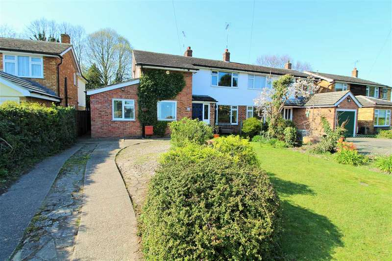3 Bedrooms Semi Detached House for sale in Armoury Road, West Bergholt, Colchester