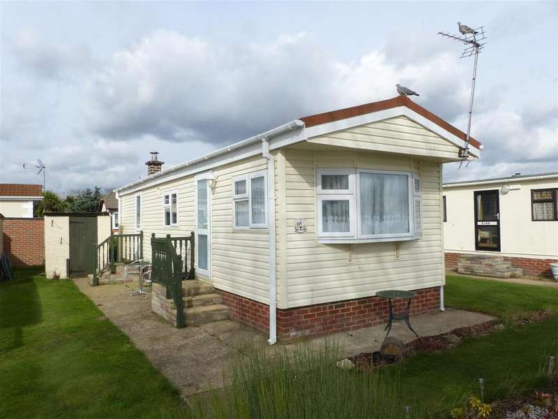 1 Bedroom Park Home Mobile Home for sale in Kings Park, Creek Road, Canvey Island