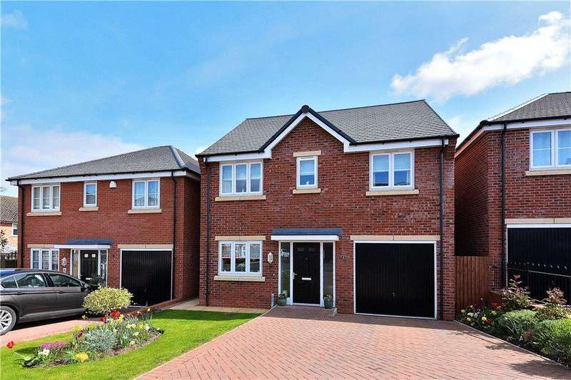 4 Bedrooms Detached House for sale in Hill Close, Kidderminster, DY11
