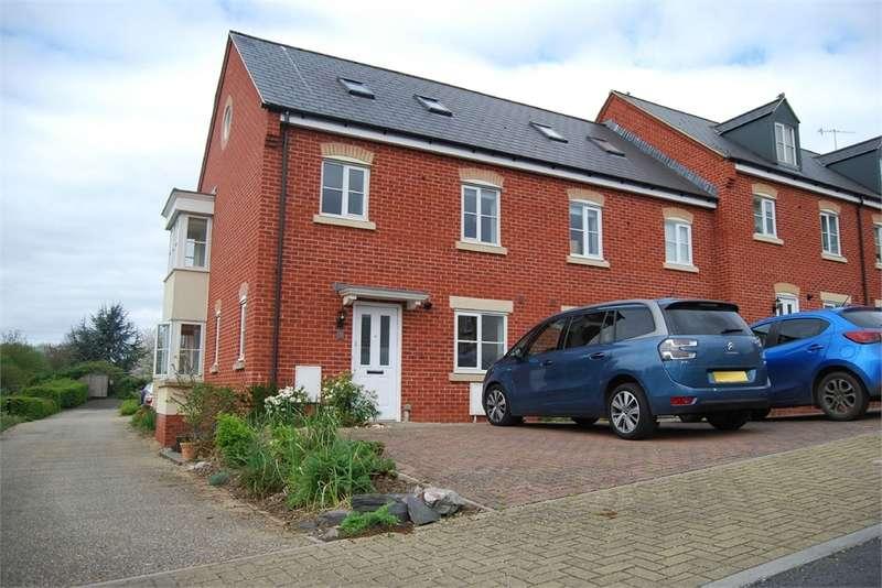 3 Bedrooms End Of Terrace House for sale in Hoopers Yard, Ebley, Stroud, Glos