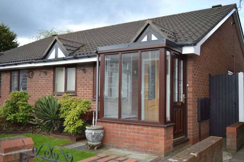 2 Bedrooms Semi Detached Bungalow for sale in St Helens Road, Leigh