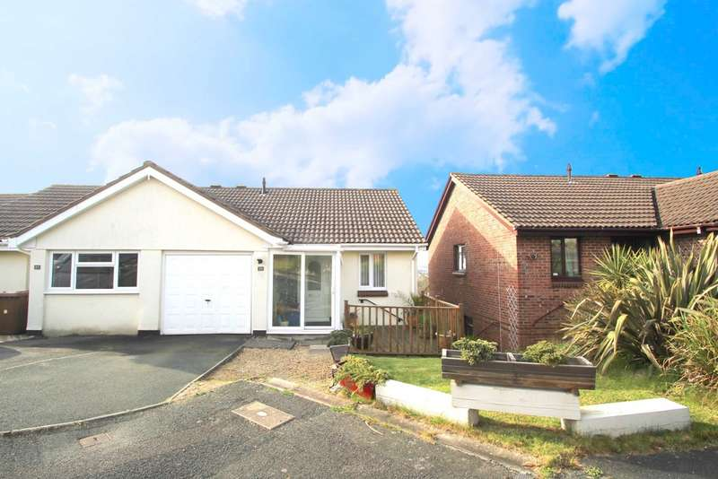 3 Bedrooms Semi Detached House for sale in Staddiscombe, Plymouth