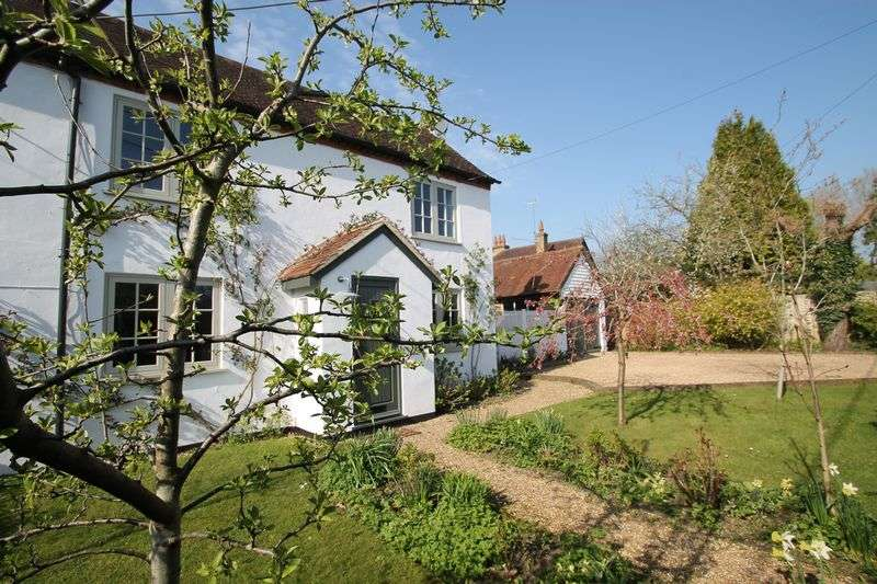 3 Bedrooms Semi Detached House for sale in The Green, Ewhurst