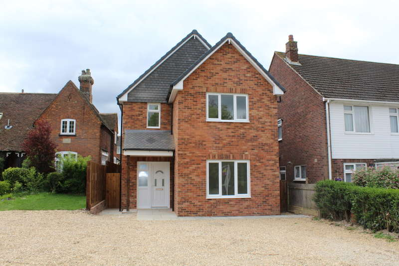 3 Bedrooms Detached House for sale in 319a Cardington Road, Bedford, MK42