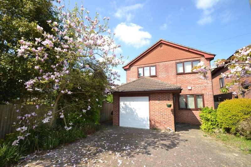 3 Bedrooms Detached House for sale in Bourne Road, Merstham, Surrey, RH1 3HE