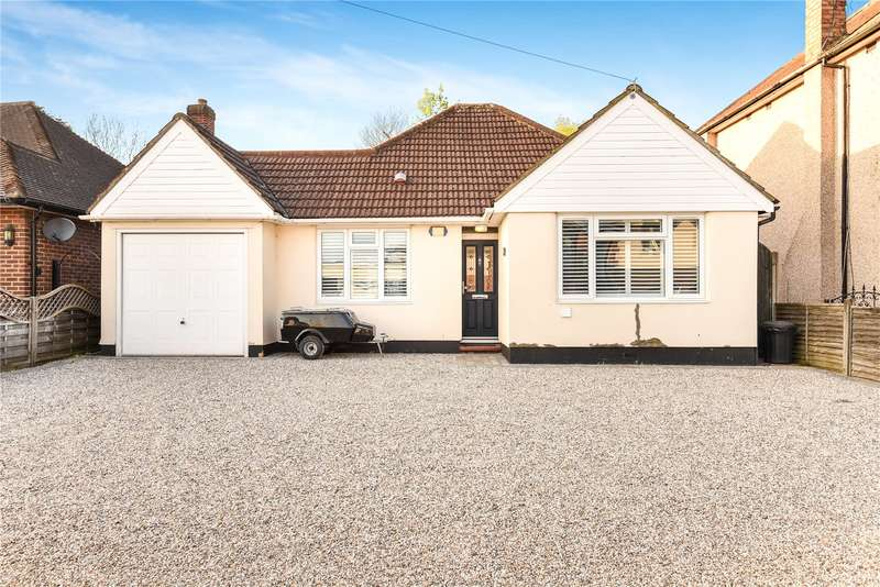 3 Bedrooms Bungalow for sale in Linden Avenue, Ruislip, Middlesex, HA4