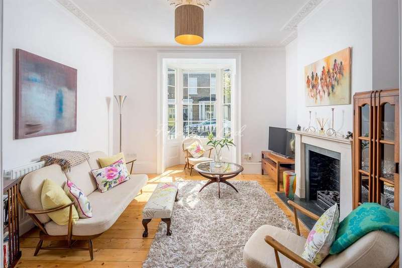 3 Bedrooms Terraced House for sale in Lavender Grove, Hackney, E8