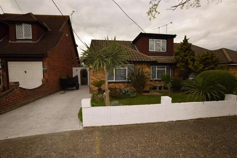 4 Bedrooms Chalet House for sale in Deepwater Road, Canvey Island
