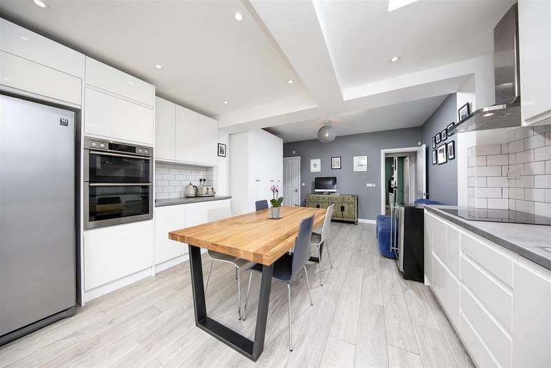 3 Bedrooms Terraced House for sale in Andover Road, Twickenham