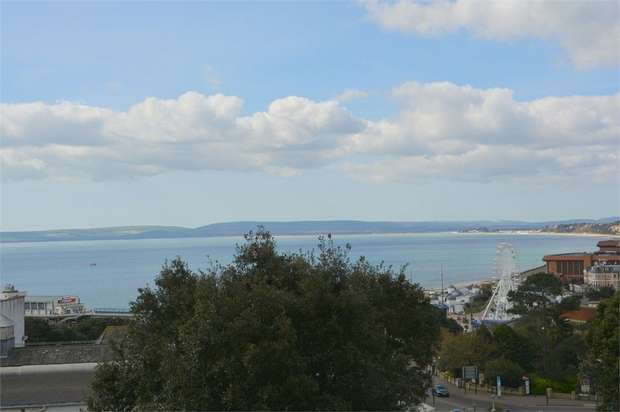 2 Bedrooms Flat for sale in Russell Cotes Road, Bournemouth, Dorset