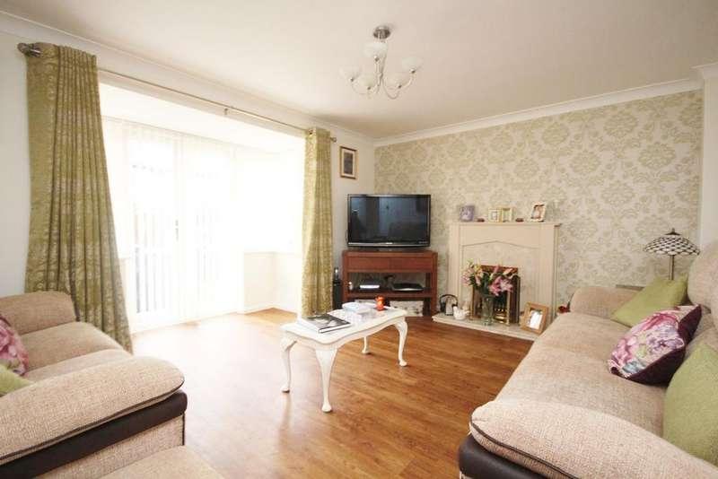 5 Bedrooms Detached House for sale in Crabtree Way, Dunstable, LU6