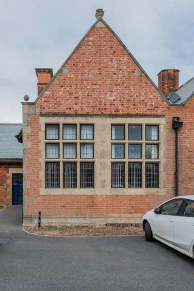 2 Bedrooms Apartment Flat for sale in Old School Lane, Creswell, Nottinghamshire, S80