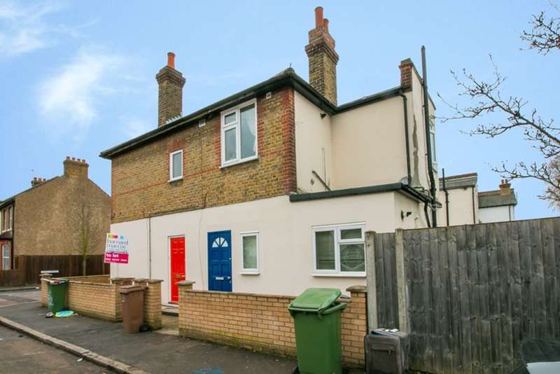 2 Bedrooms Flat for sale in York Street, Mitcham, London, CR4