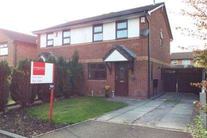 3 Bedrooms Semi Detached House for sale in Helmsdale Close, Crewe, Cheshire