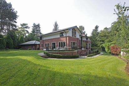 5 Bedrooms House for sale in Castle Hill, Prestbury, Macclesfield, Cheshire