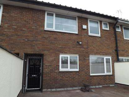3 Bedrooms Flat for sale in Hagley Road West, Quinton, Birmingham, West Midlands