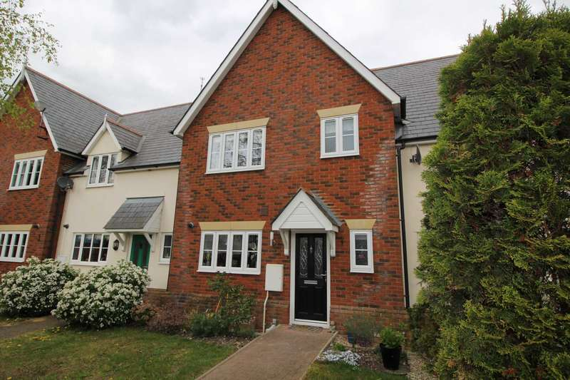 3 Bedrooms Terraced House for sale in Horton Close, Maldon