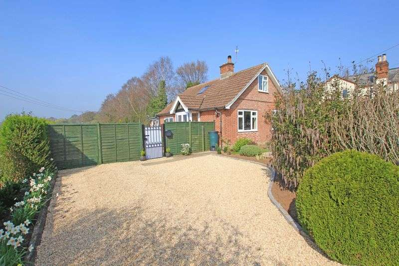 3 Bedrooms Property for sale in Timsbury