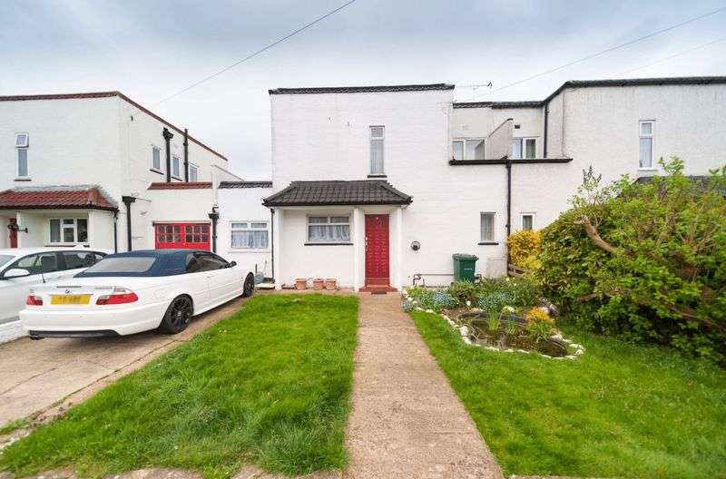 3 Bedrooms Semi Detached House for sale in Raydean Road, Barnet