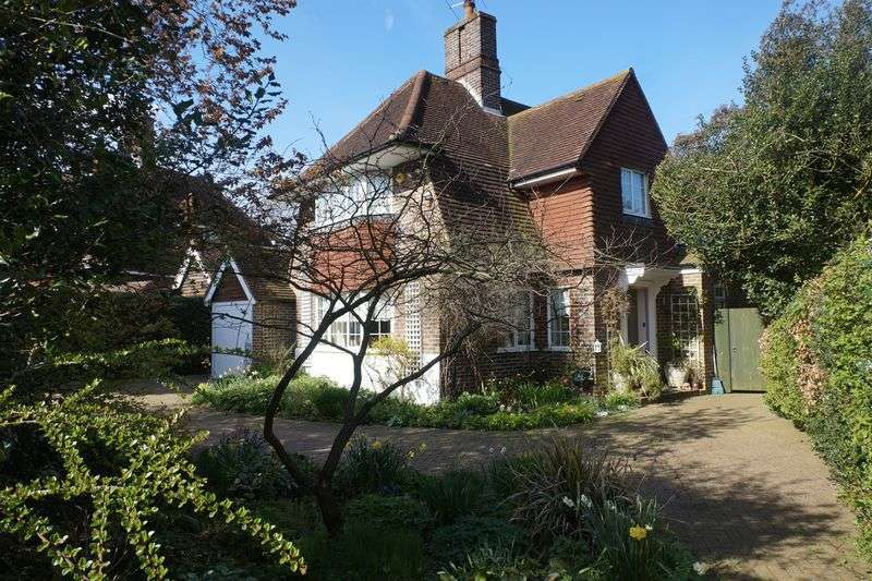 3 Bedrooms Detached House for sale in Burgh Heath