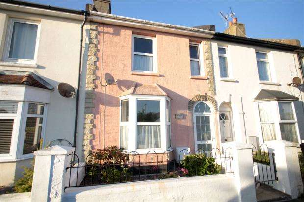 2 Bedrooms Terraced House for sale in Gloucester Road, Littlehampton, West Sussex, BN17