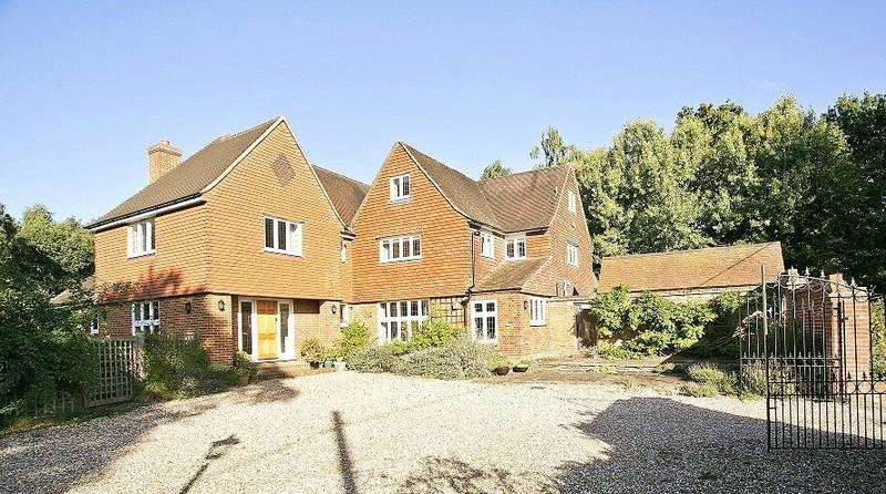 6 Bedrooms Detached House for sale in Sparrow Row, Chobham, Woking, Surrey, GU24