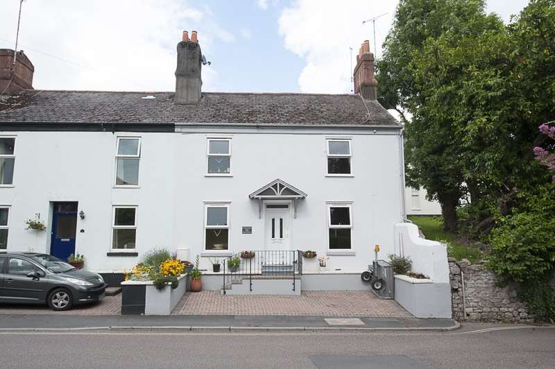 4 Bedrooms End Of Terrace House for sale in Highweek Road, Newton Abbot, Devon, TQ12