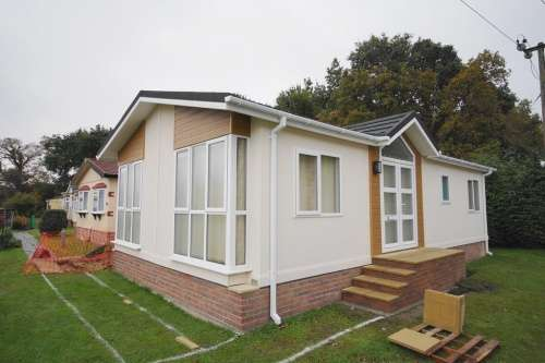 2 Bedrooms Park Home Mobile Home for sale in Gladelands Park, Ferndown