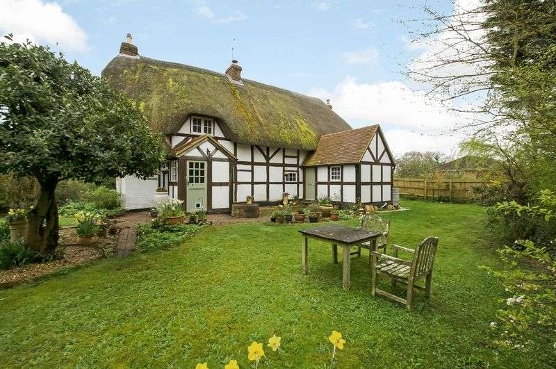3 Bedrooms Detached House for sale in Awbridge Hill
