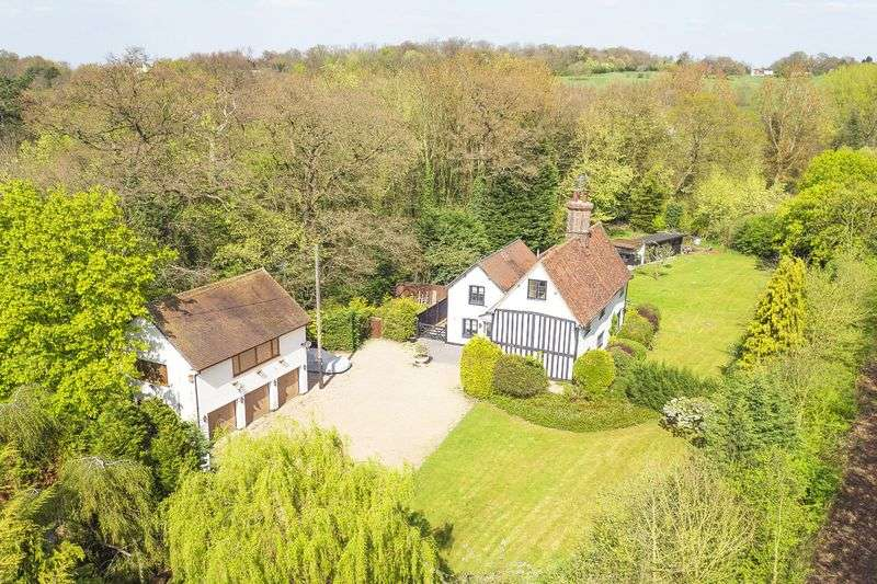 5 Bedrooms Detached House for sale in Nazeing Common, Nazeing, Essex