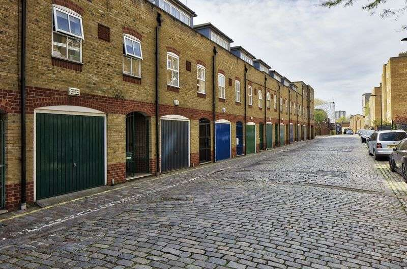 3 Bedrooms Mews House for sale in Andover Place, London